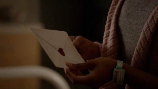 File:718-Letters-Damon-Bonnie-Back.png