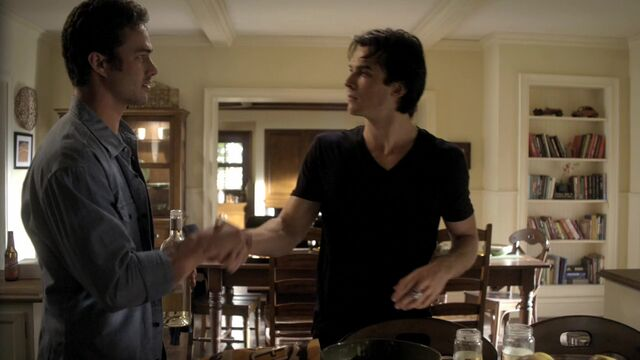 File:TVD2x04-Gilbert House 67.jpg