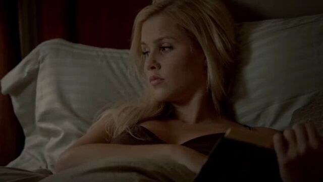 File:Rebekah 4 TO 1x01.jpg