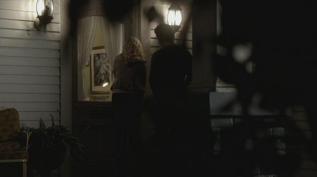 File:Caroline-Stefan-2x13.png