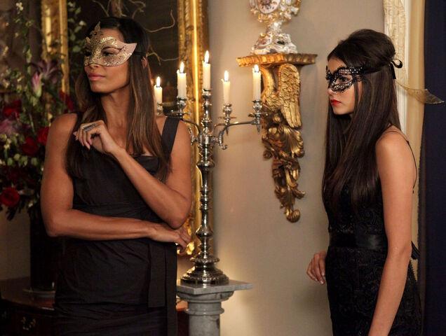 File:Vampire-diaries-season-2-masquerade (19).jpg