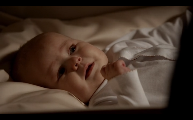 File:1x20-Klayley baby.png