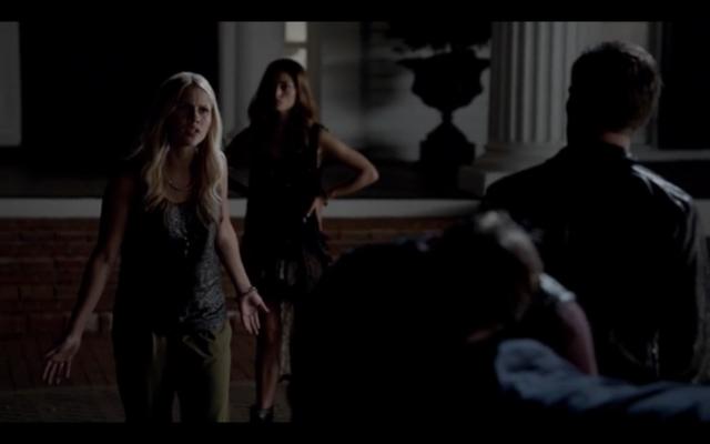 File:1x02-Klaus, Hayley and Rebekah.png