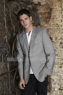 File:Steven-R.-McQueen-Photoshoot-1.png
