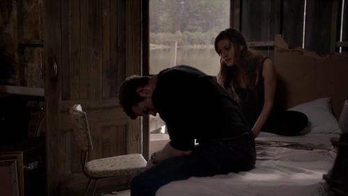 File:Elijah-Hayley 1x8.jpg