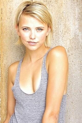 File:The Originals - Riley Voelkel(b).jpg
