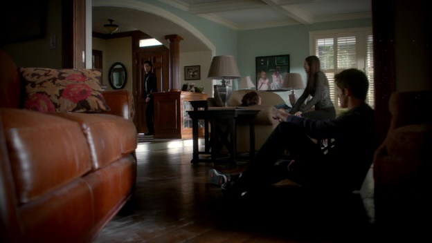File:TVD3x10-Gilbert House 26.jpg