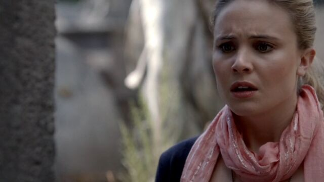 File:Camille TO 1x06.jpg