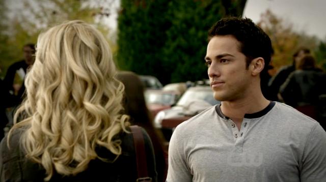 File:Caroline-Tyler 2x10..png