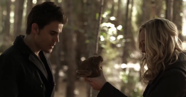 File:Steroline and miss cuddles 6x13.png