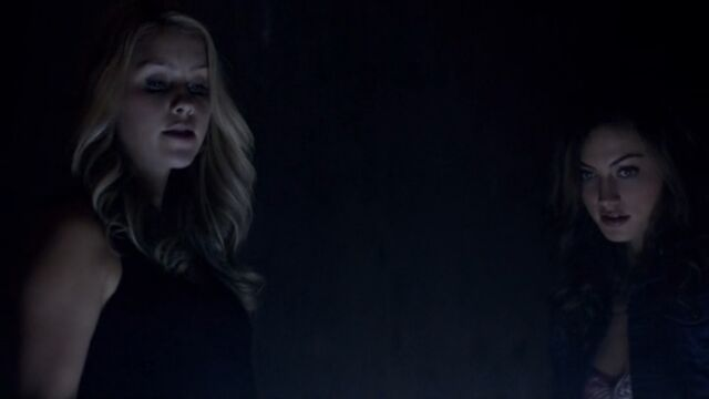 File:Rebekah and Hayley 3 TO 1x02.jpg