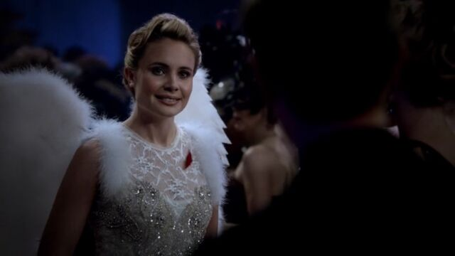 File:Camille 5 TO 1x03.jpg