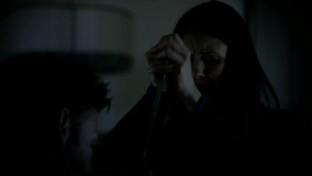 File:Elena kills Alaric.jpg