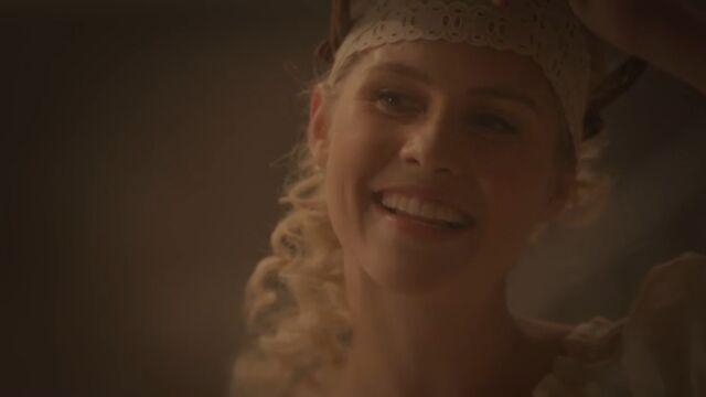 File:Rebekah 16 TO 1x02.jpg