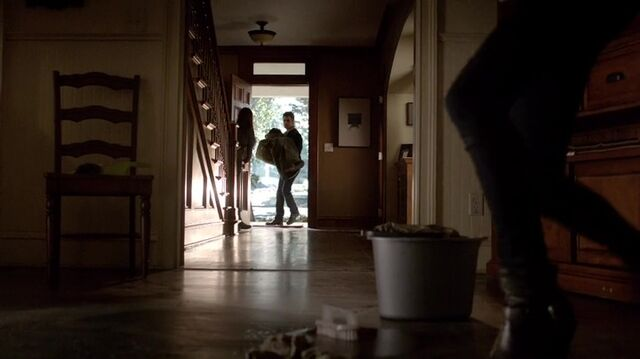File:TVD4x15-Gilbert House 6.jpg