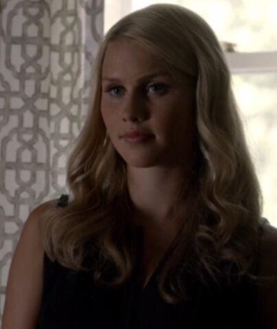 File:Rebekah 4 TO 1x03.jpg