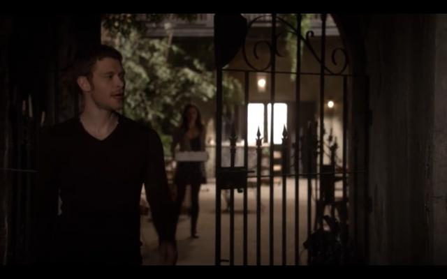 File:1x11-Elijah disses Hayley.png