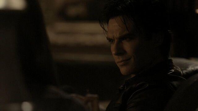 File:The.Vampire.Diaries.S01E20 - T V D F A N S . I R -.mkv snapshot 28.38 -2014.05.12 02.55.14-.jpg