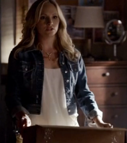 File:5x6 Caroline Forbes Handle with Care.png