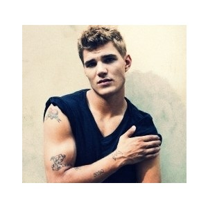 File:Chris Zylka(a).jpg