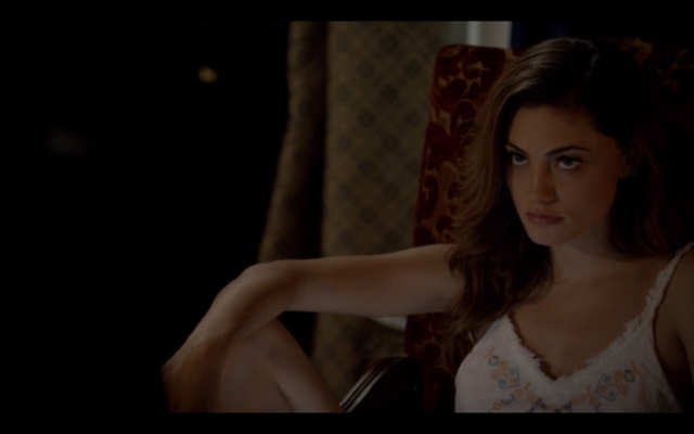 File:1x03-Klaus tell Hayley Elijah is returning 5.png