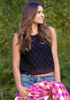 File:Elena 6X03 clothing2.jpg