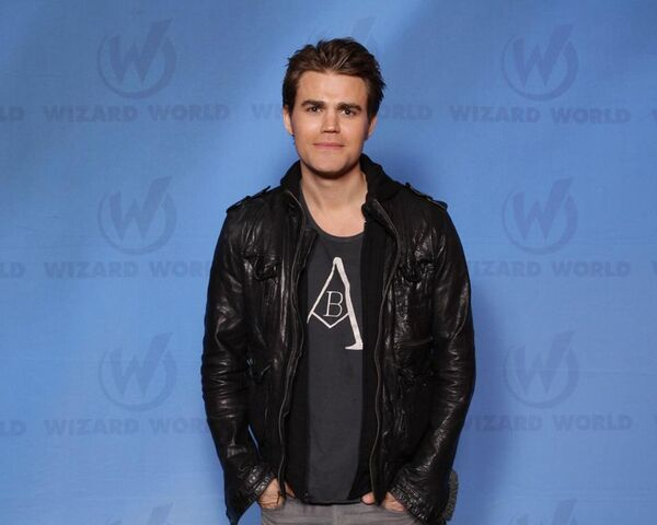 File:Wwcc-new-orleans-02-Paul-Wesley.jpg