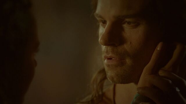 File:Normal TheOriginals205-0260Elijah-Tatia.jpeg
