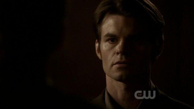 File:Elijah-in-2x22-As-I-lay-dying-elijah-21990617-1280-720.jpg