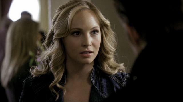 File:Caroline-Stef 2x17.png