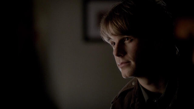 File:049-tvd-4x12-a-view-to-a-kill-theoriginalfamilycom.jpg