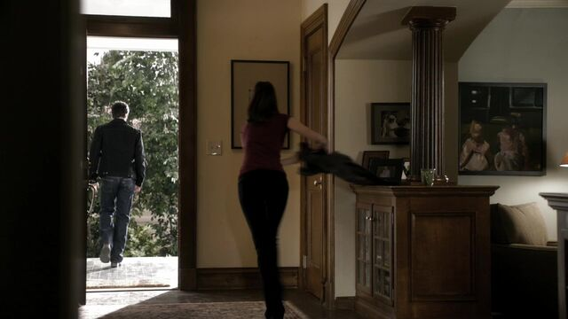 File:TVD2x13-Gilbert House 8.jpg
