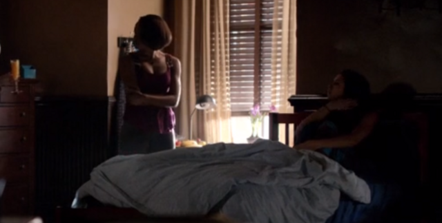 File:Bonnie and Elena 5x11.png