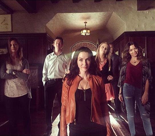 File:2015-10-07 Elizabeth Blackmore Justice Leak Teressa Liane Jaiden Kaine Scarlett Byrne Annie Wersching Instagram.jpg