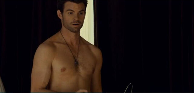 File:Daniel Gillies shirtless saving hope 1.jpg