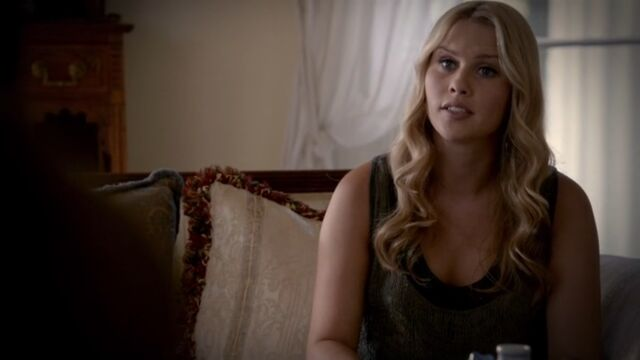 File:Rebekah TO 1x05.jpg