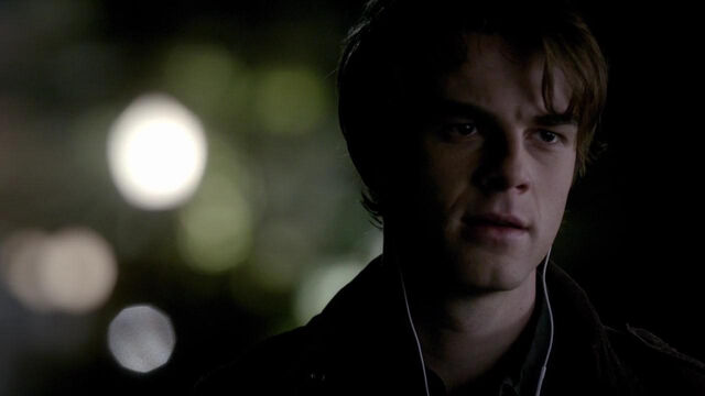 File:012-tvd-4x12-a-view-to-a-kill-theoriginalfamilycom.jpg