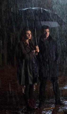 File:Hayley and Elijah 1x11.png
