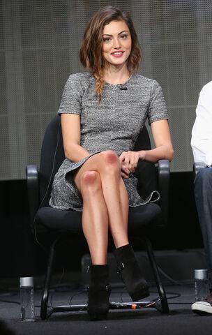 File:Phoebe-Tonkin-took-cool-girl-dress-code-panel-completing.jpg