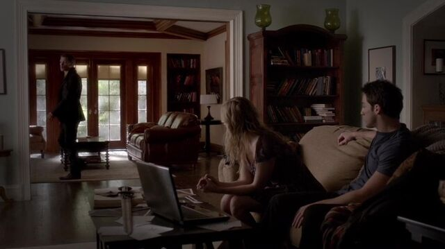 File:TVD4x14-Gilbert House 37.jpg