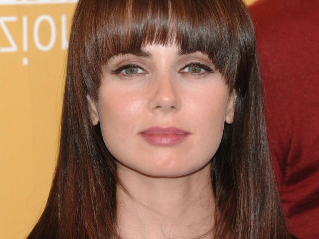 File:Mia kirshner face desktop wallpaper 77873.jpg