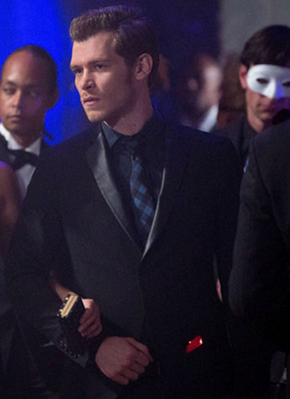 File:1x3 Klaus Mikaelson Tangled Up In Blue..png