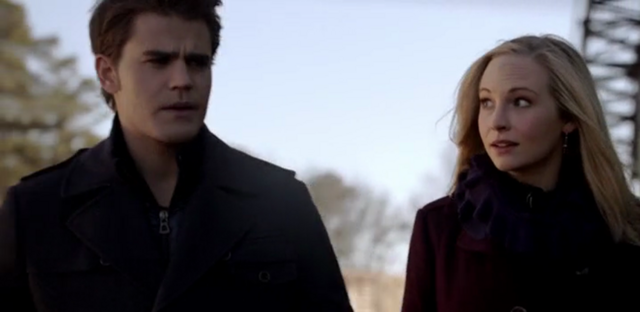 File:Caroline and Stefan 5x16...png