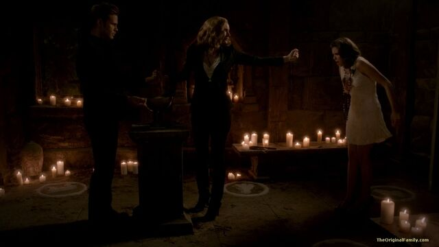 File:080-tvd-3x20-do-not-go-gentle-theoriginalfamilycom.jpg