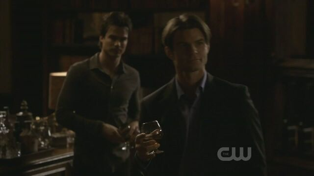 File:Elijah-3x15-The-Dinner-Party-elijah-19425351-1280-720.jpg