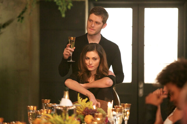File:Klaus-and-hayley-reigning-pain-in-new-orleans.jpg