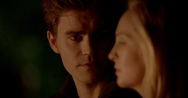 File:Stefan and Caroline in 5x20.png