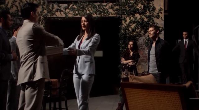 File:Francesca-Hayley-Klaus-Elijah 1x21.png