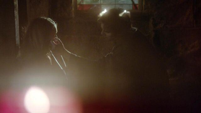 File:The.Vampire.Diaries.S05E22.720p.HDTV.X264-DIMENSION.mkv snapshot 38.10 -2014.05.17 16.06.13-.jpg