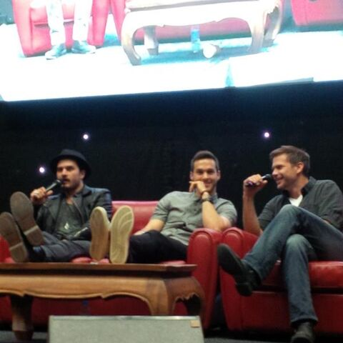 File:2015 BMIF3 85 Chris-Wood Matthew-Davis Michael-Malarkey.jpg